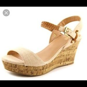 Mix No. 6 Zessi Wedge strappy sandal  cream size 7